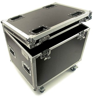 C006DC | Medium Sized General Purpose Road Trunk with casters
